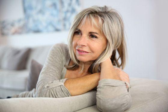 Выпадение волос у женщин после 50 лет - причины и лечение