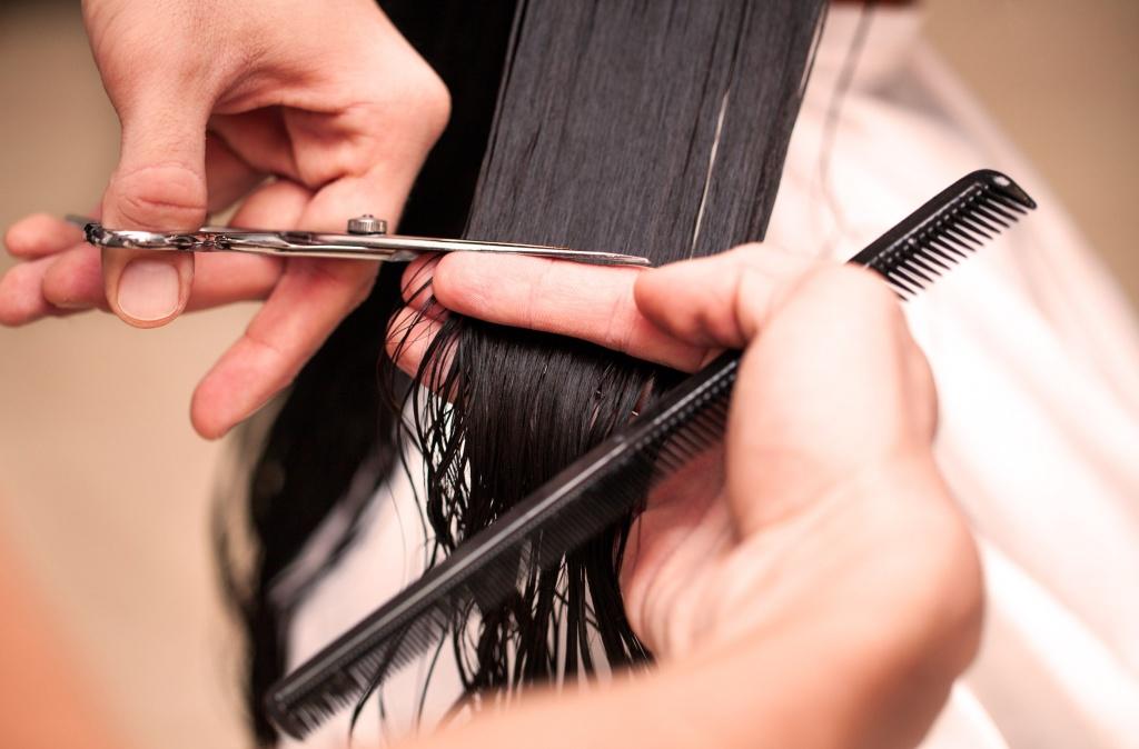 Правильно подстричь волосы домашних условиях 213