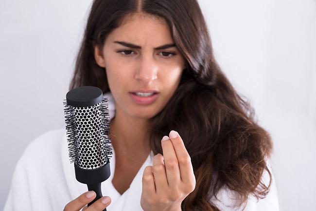 Какие заболевания провоцируют выпадение волос у женщин Фото 1