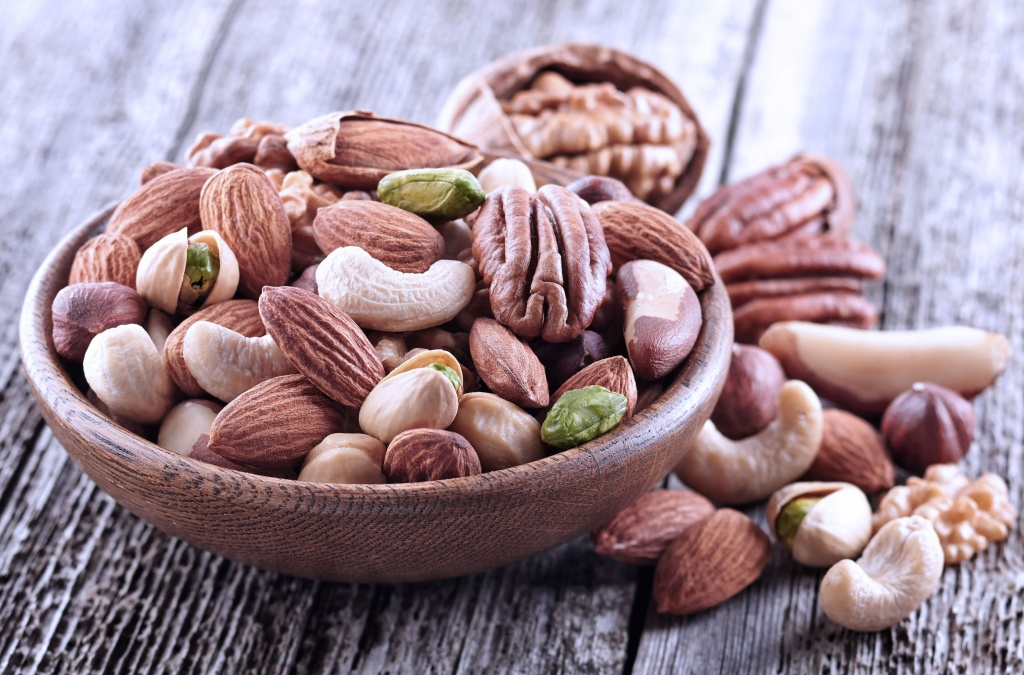 Орехи для густоты волос: «питательная» и «наружная» польза