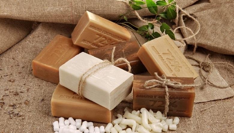 Хозяйственное мыло для волос: можно ли мыть волосы хозяйственным мылом - польза и вред